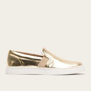 NWOB Frye Ivy Slip On Flat Shoes Gold Metallic 5.5